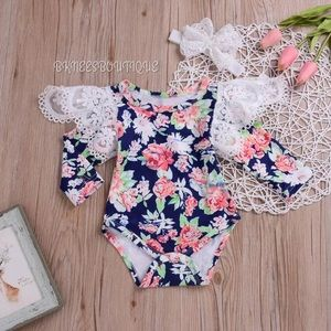 Floral Lace Long Sleeve Ruffle Baby 2pc BodySuit